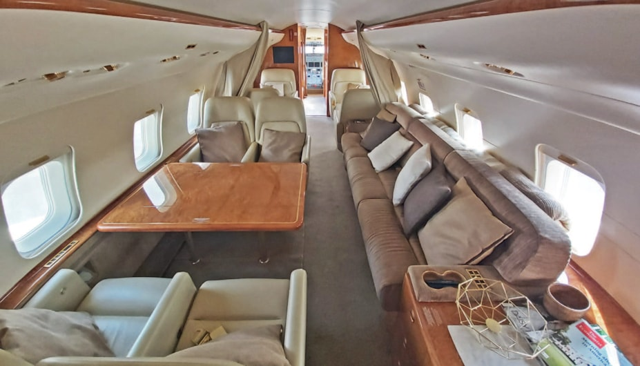 Private jet for sale charter: 2005 Bombardier Challenger 604 heavy jet