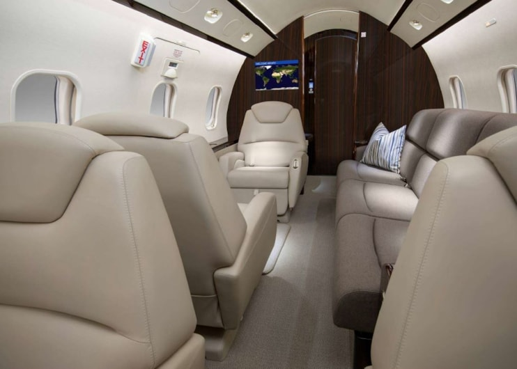 Private jet for sale charter: 2009 Bombardier Challenger 300 super-midsize jet
