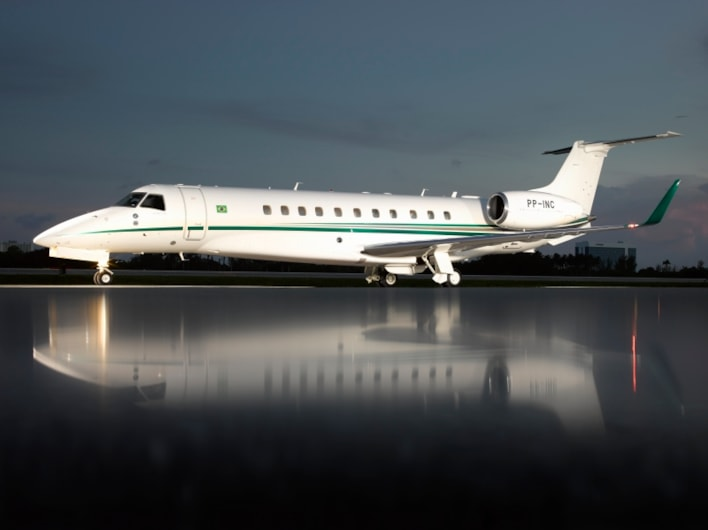 Private jet for sale charter: 2013 Embraer Legacy 650 heavy jet