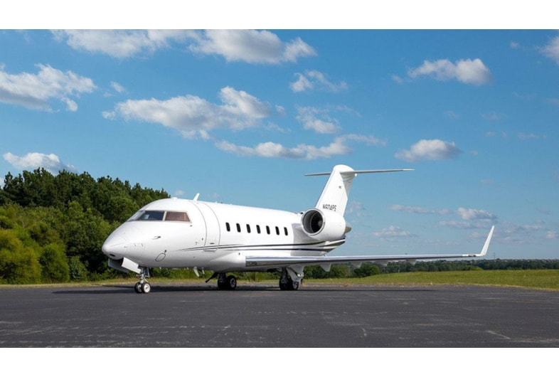 Private jet for sale charter: 2000 Challenger 604 heavy jet