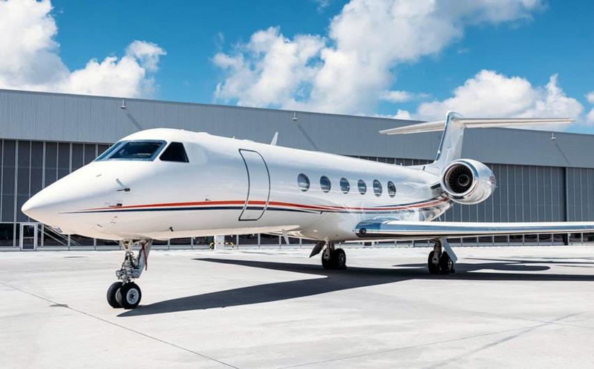 Private jet for sale charter: 2000 Gulfstream V heavy jet
