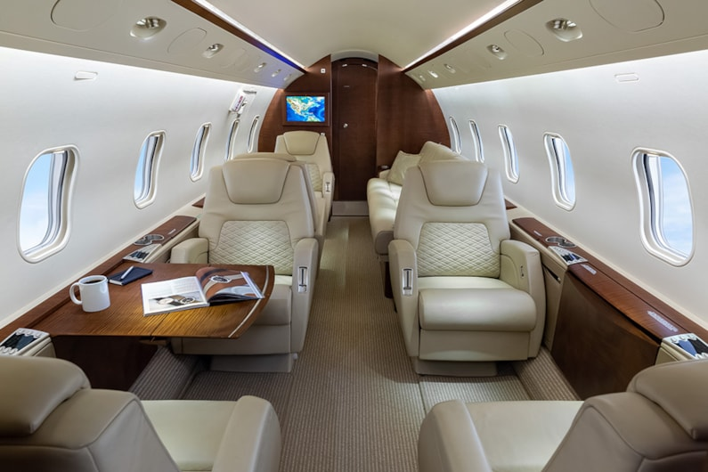 Private jet for sale charter: 2004 Bombardier Challenger 300