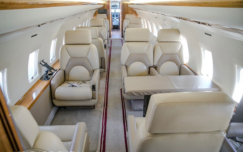 Private jets for sale charter: 1995 Bombardier Challenger 850 heavy jet
