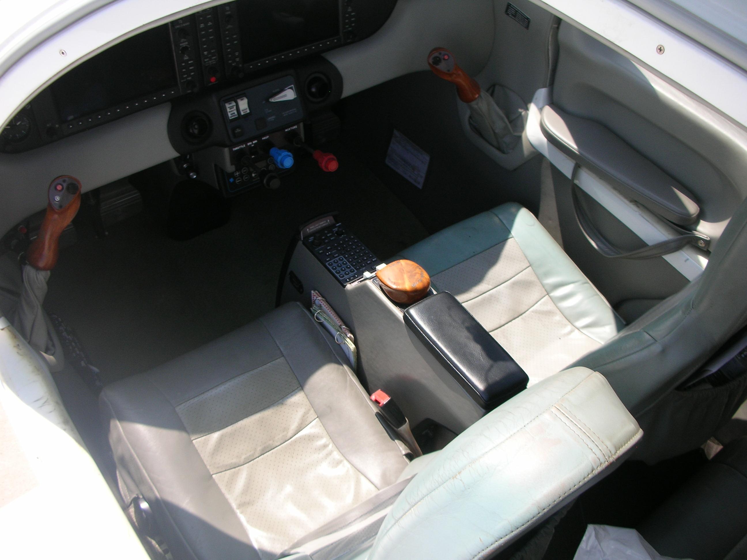Columbia 400 interior