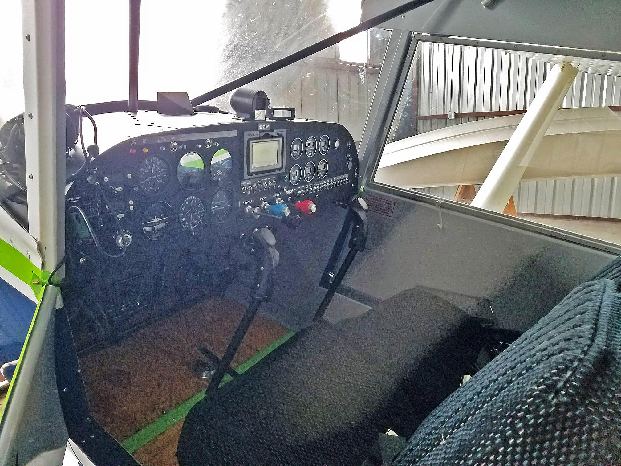 Bearhawk 4-Place interior