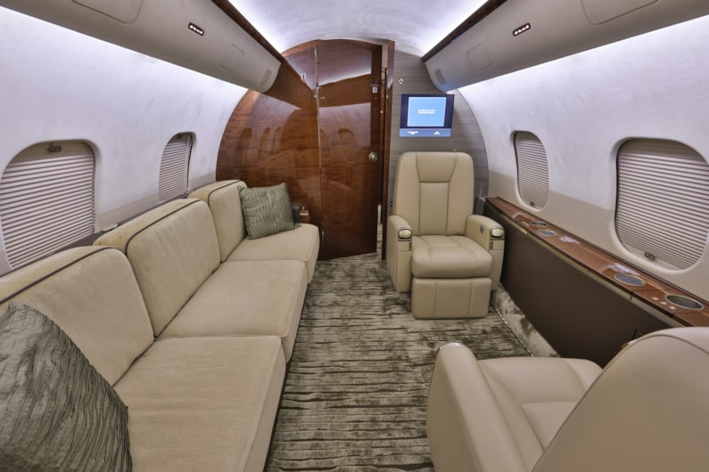 Private jet for sale charter: 2009 Bombardier Global 5000 long-range heavy jet