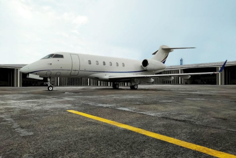 Private jet for sale charter: 2013 Bombardier Challenger 300 super-midsize jet