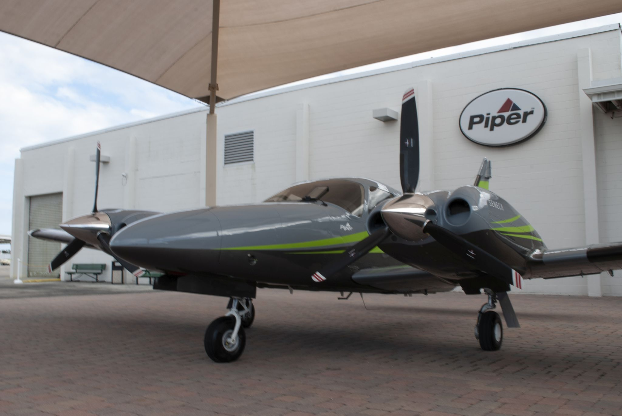 Aircraft Listing - Seneca PA-34-220T listed for sale