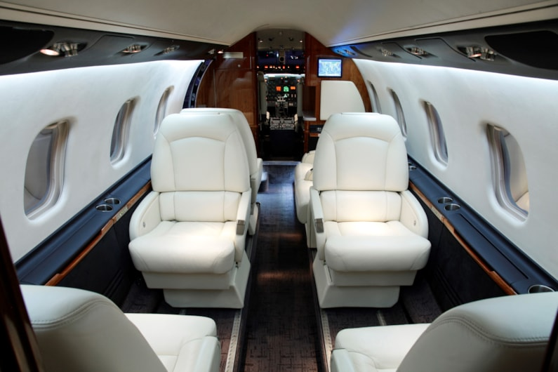 Private jet for sale charter: 2001 Learjet 60 midsize jet