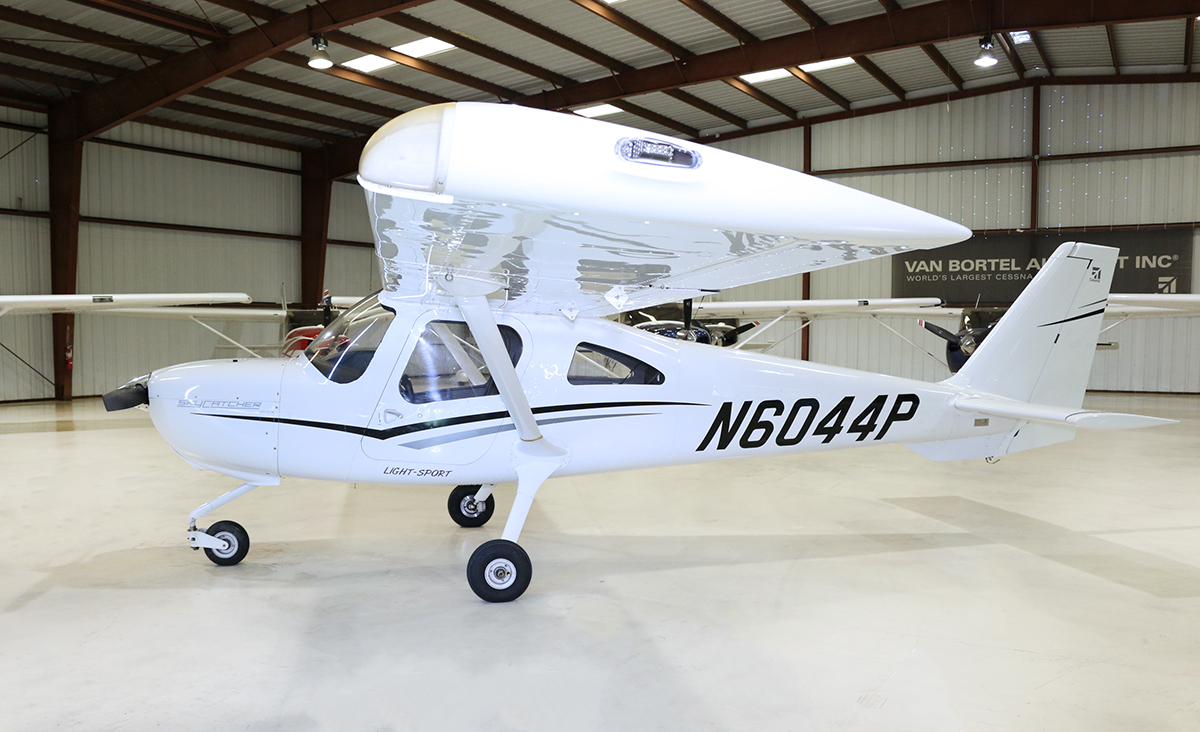Aircraft Listing - Cessna 162 listed for sale