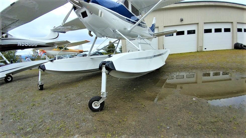 Cessna 182 exterior