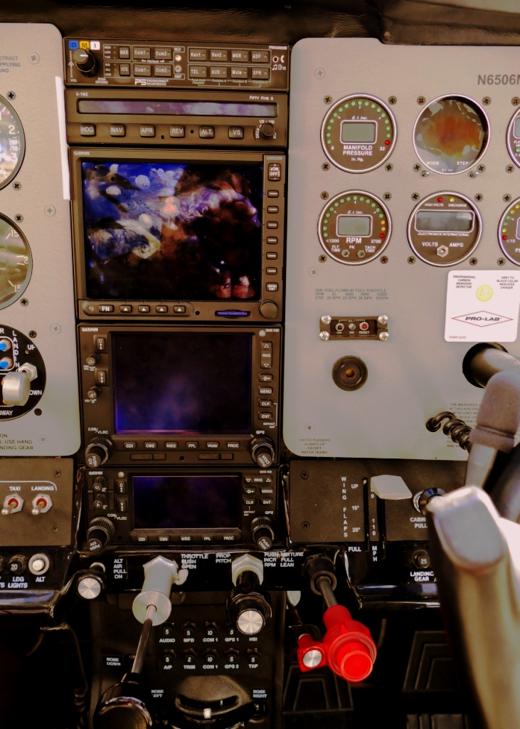 Cessna 182 panel