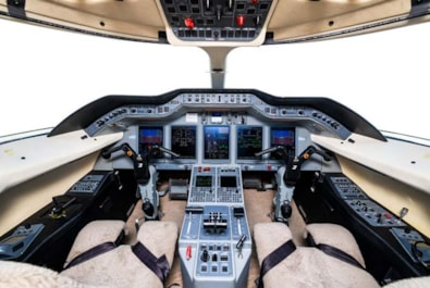Private jet for sale charter: 2009 Hawker 4000 super-midsize jet
