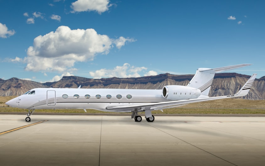 Private jet for sale charter: 2004 Gulfstream G550 heavy jet