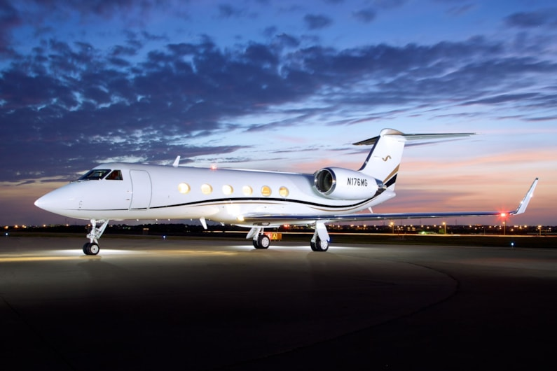 Private jet for sale charter: 2002 Gulfstream G400 heavy jet