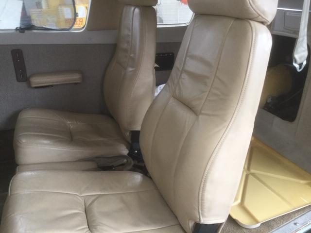 Seneca III PA-34-220T interior