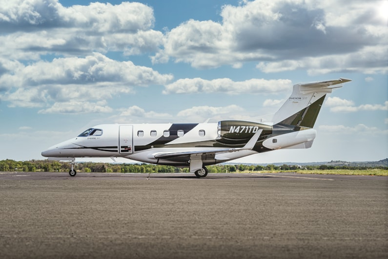 Private Jet for sale charter: 2011 Phenom 300 light jet