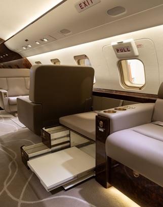 Challenger 605 interior