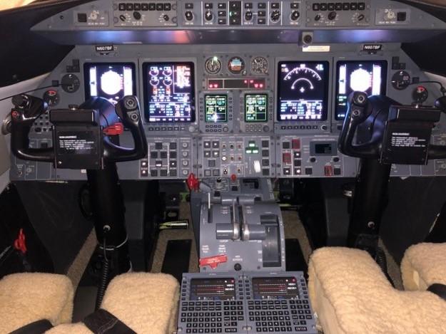 Learjet 45 panel