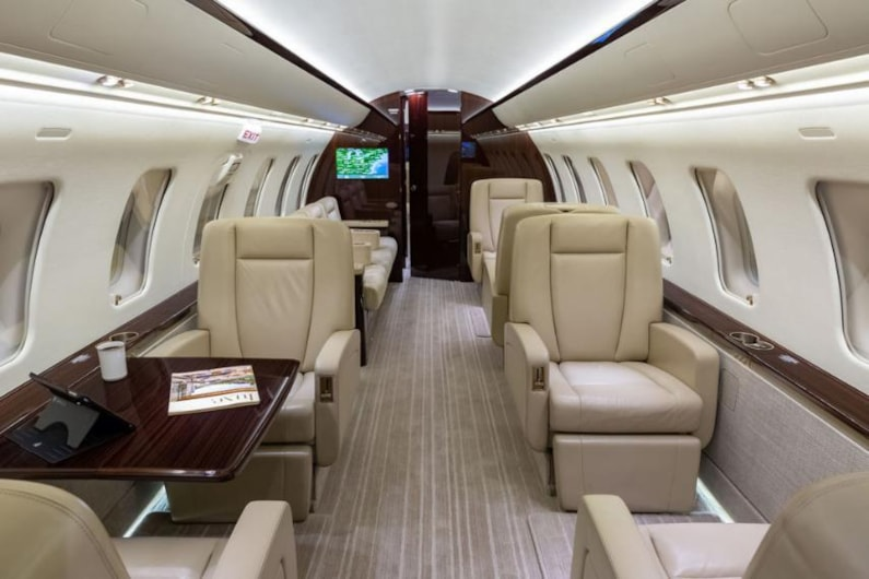 Private jet for sale charter: 2014 Bombardier Challenger 605 heavy jet