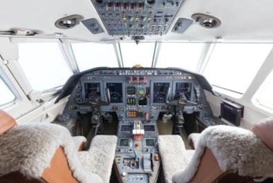 2000 Falcon 50EX - panel