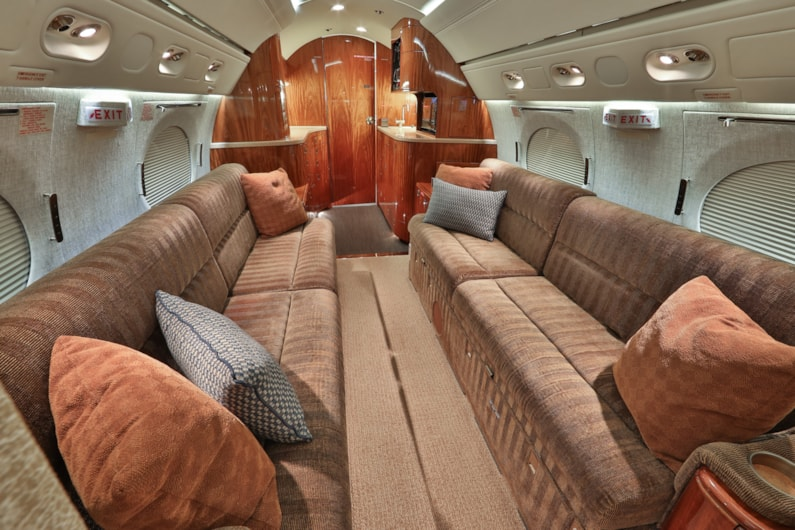 Private jet for sale charter: 1999 Gulfstream V heavy jet