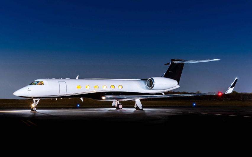Private jet for sale charter: 2001 Gulfstream V heavy jet