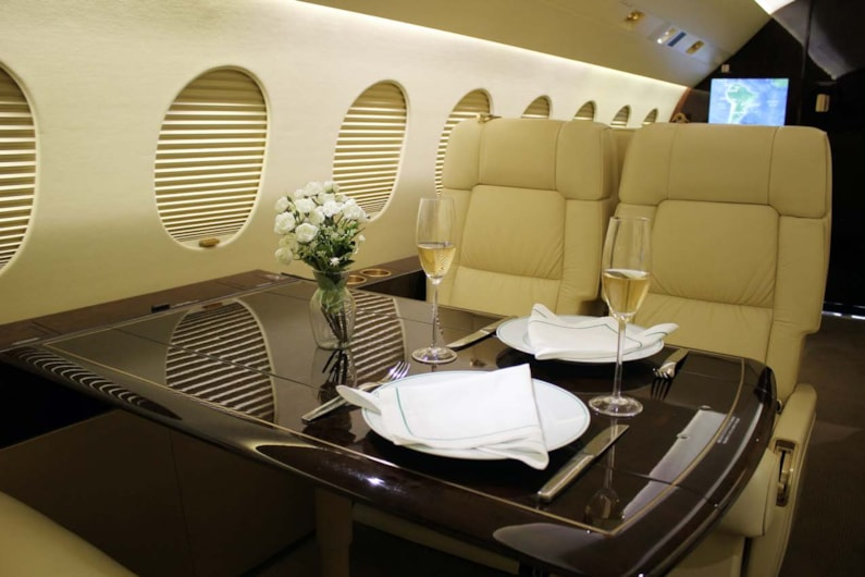 Private jet for sale charter: 2010 Dassault Falcon 2000LX heavy jet