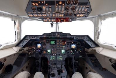 2000 Hawker 800XP - panel
