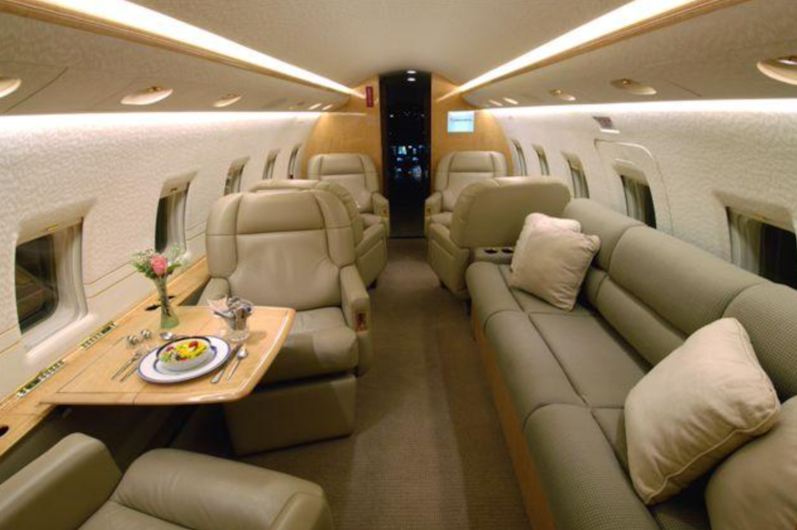 Private jet for sale charter: 1998 Bombardier Challenger 604 heavy jet