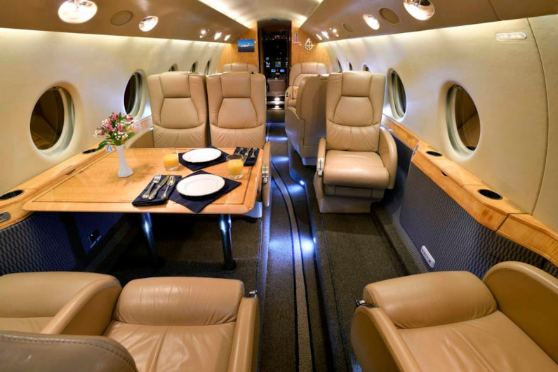 Private jet for sale charter: 2002 Gulfstream G200 super-midsize jet