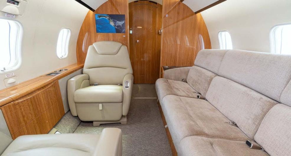 Private jet for sale charter: 2012 Bombardier Challenger 300 super-midsize jet