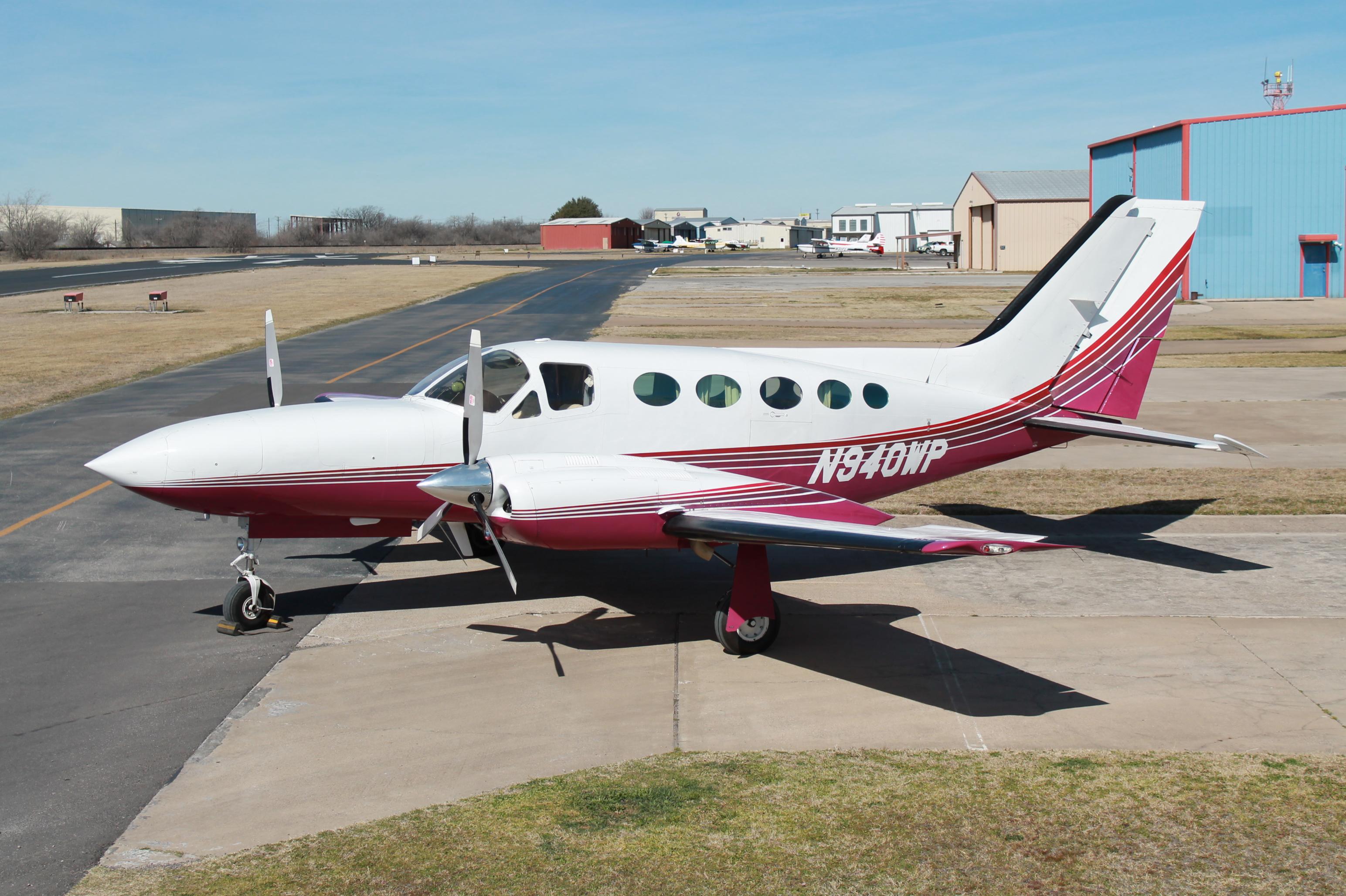 Cessna 421 exterior