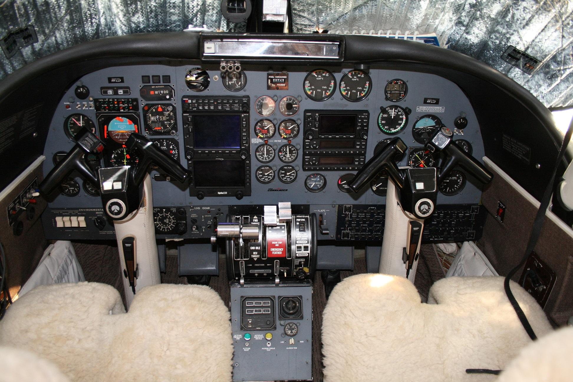 Twin Commander 690B panel