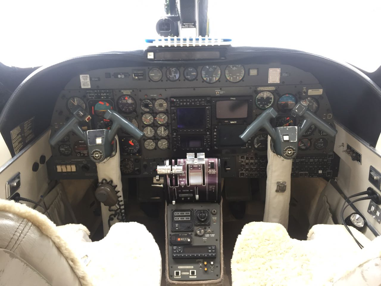 Twin Commander 690A panel