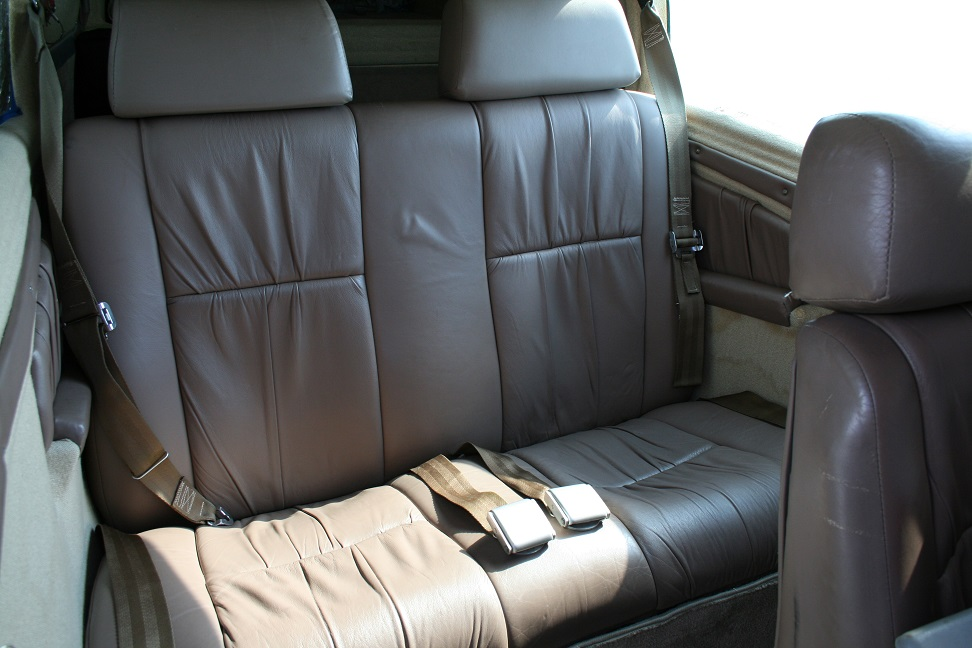 Mooney M20J interior