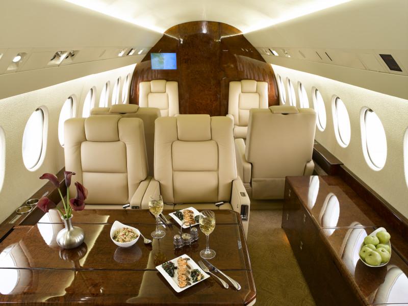 Falcon 900B interior