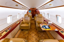Private jet for sale charter: 2007 Bombardier Challenger 300 supermid jet