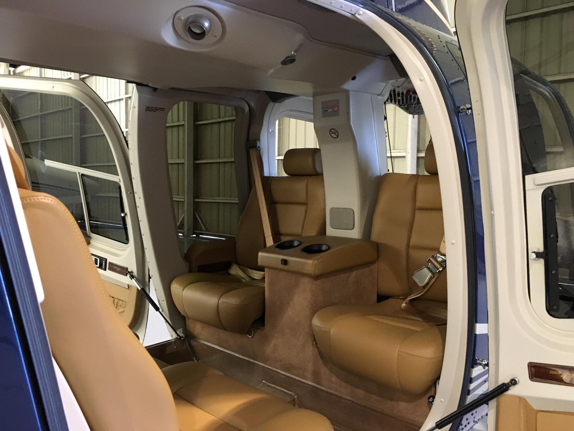 Bell 407 interior