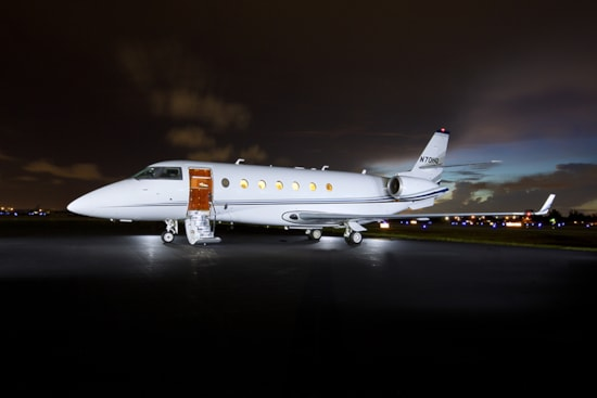 Private jet for sale charter: 2002 Gulfstream G200 supermid jet