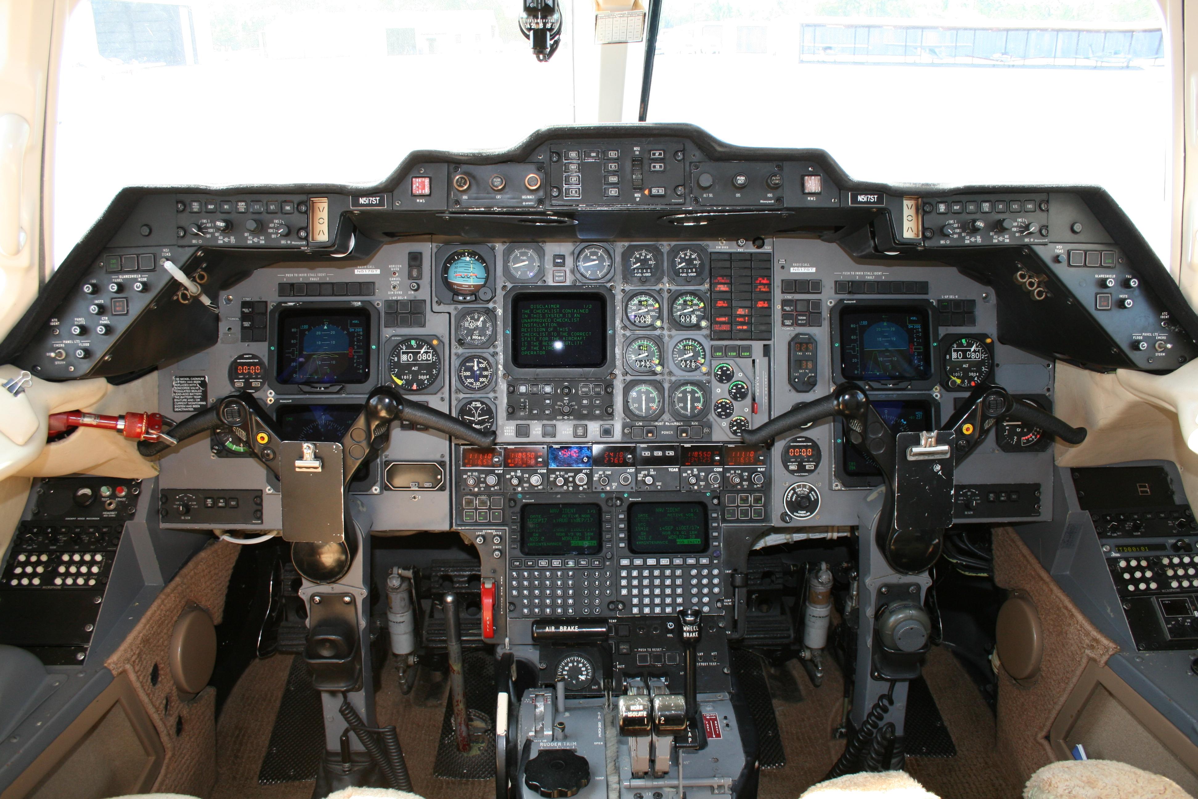 Hawker 800SP panel