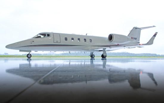 Private jet for sale charter: 1998 Learjet 60 midsize jet