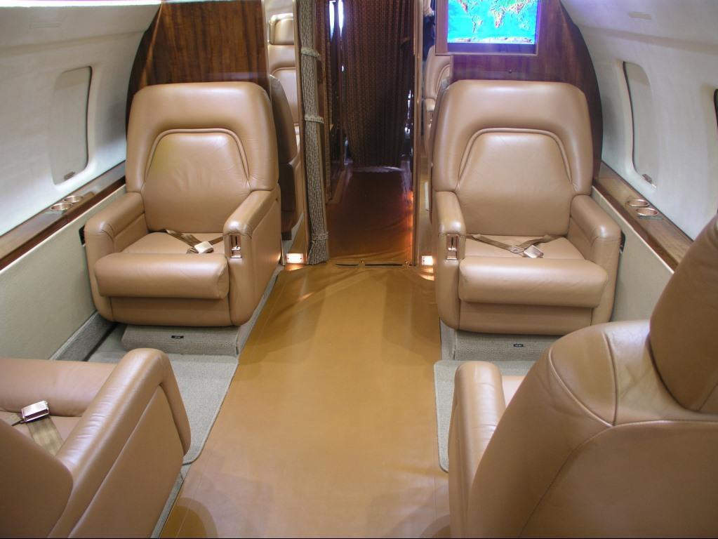 Challenger 601-3A interior