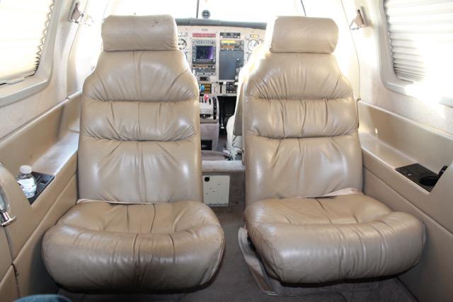 Malibu Mirage PA-46-350P interior