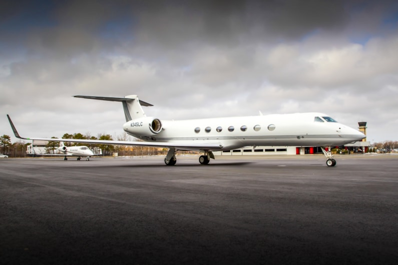 Private jet for sale charter: 2007 Gulfstream G550 heavy jet