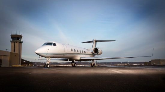 Private jet for sale charter: 2000 Gulfstream V heavy jet