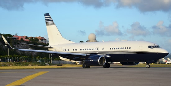 Private jet for sale charter: 1999 Boeing 737 VIP airliner