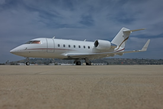 Private jet for sale charter: 1987 Bombardier Challenger 601-3A heavy jet