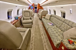 Private jet for sale charter: 1998 Bombardier Challenger 850 heavy jet