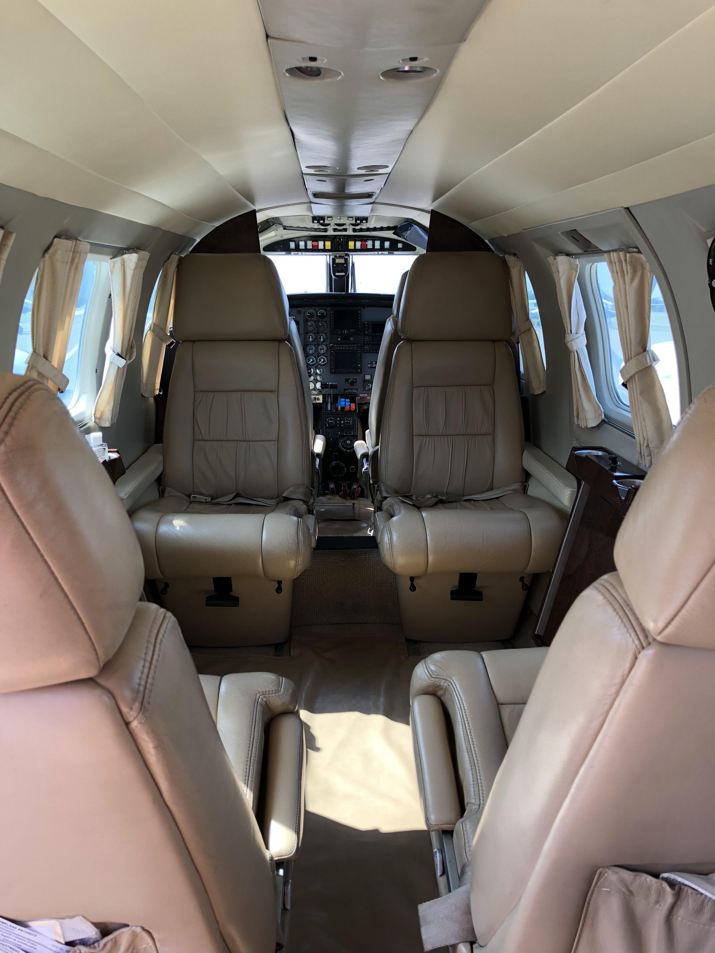 Cheyenne II PA-31T-620 interior